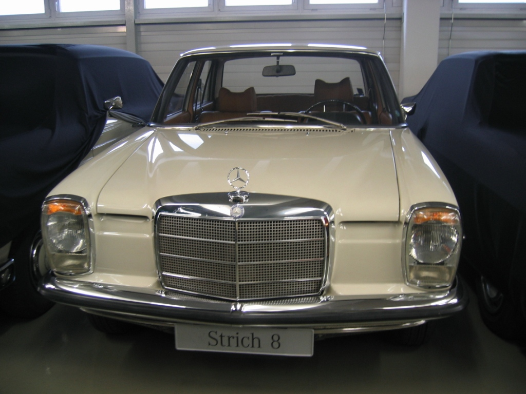 Mercedes benz classic center in fellbach germany 3to5 xgo for Mercedes benz classic center germany